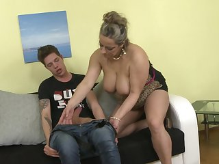 Young stud gets his dick taken provide for of by experienced Talisah
