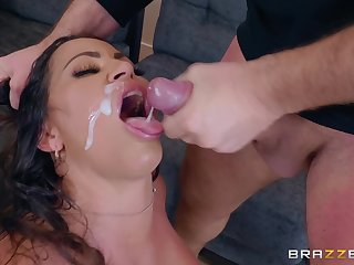 Julianna Vega is ready for zoological sex non-native behind almost horny guy