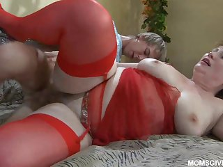Lean youngster Benjamin fucks chubby aunt