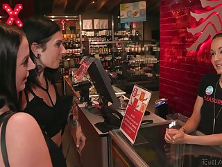 Two crazy chicks Dana Vespoli and Joanna Angel are toying and stretching holes