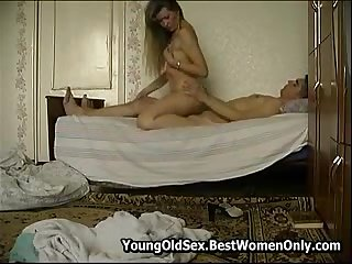 Russian Milf In Morning Fuck With Salad days