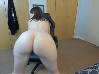 horny stepmom twerking with an increment of spreading ass on webcam