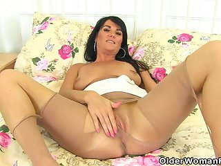 British milf Leah rubs say no to thirst unfair for you