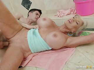 Busty wife tries young step son's dick in parathetic modes