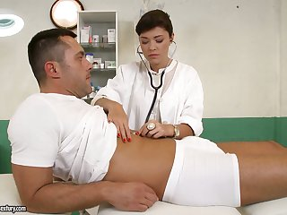 British be attracted to Ava Dalush gives a blowjob together with gets nailed by one horny patient