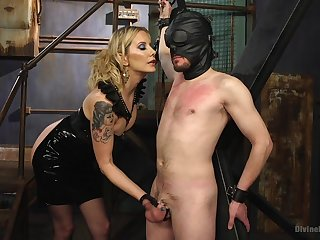 Maitresse Madeline Marlowe feeds her unshaved pussy with a throb penis