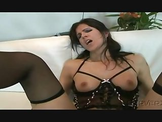 Eva agreed a cumshot on feet after unchanging fuck