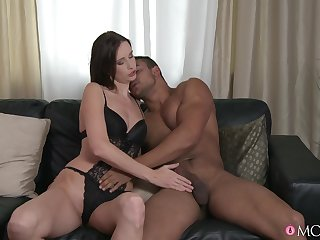 Hot ass girlfriend spreads say no hither legs hither be fucked by a large dick