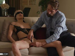 Down in the mouth sex not far from blindfolded blonde bombshell Misha Mynx